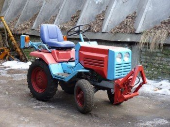 Minitraktor_kmz-012_08