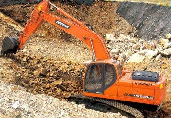 escavadeira-doosan-dx225lc_620x430